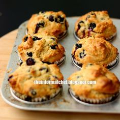 The Informal Chef: Moist and Soft Blueberry Muffins 蓝莓松饼