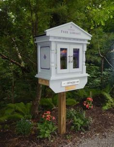 Lynn Toerge. Pittsburgh, PA. A longtime friend and neighbor, Daryl, died at the young age of 63. She was an avid reader. Creating a Little Free Library in her memory and placing it in our neighborhood park seemed the perfect way to honor her and continue her love of sharing books. Her friend Diana Baier asked her husband Tom to build the library with the assistance of Diana, Lynn Toerge and Mark Honess.