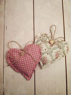 Handmade Gift | Shabby Chic | Floral | Lavender | Hearts | Jessica Bradley | Instagram.com/jessbradhandmade