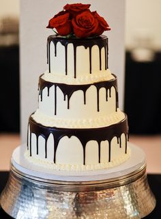 Dripping cake: Bolo pingando é tendência nos casamentos no Casar.com, onde você encontra Inspirações e Dicas para seu Casamento feito por quem mais entende do assunto