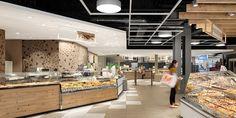 Le sospensioni di Oktalite sanno dare un tocco di stile all'ambiente, e possono essere accostate ai più funzionali faretti da incasso nelle varie aree vendita http://ow.ly/4TDN30hJxu0 #LED #retail #food #fashion