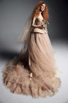 eb30bdc0a1 Abito da sposa in pizzo macramè e tulle beige Vera Wang - Vestito da sposa  ampio