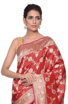 Bridal finery - Handwoven kadhwa banarasi saree with traditional jangla Katan Saree, Banarasi Sarees, Saree Wedding, Indian Wear, Blouse Designs, Hand Weaving, Hair Beauty, Sari, Woman Clothing