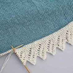 Sniker inn litt bestillingsstrikk nå i julestria, til eldstefrøkna som har teg., inn litt bestillingsstrikk nå i julestria, til eldstefrøkna som har tegnet drømmegenseren sin til meg. Baby Knitting Patterns, Knitting Stiches, Lace Knitting, Stitch Patterns, Knit Crochet, Crochet Patterns, Knitting Squares, Diy Crafts Knitting, Knitting Projects