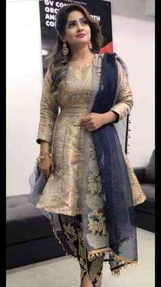 Party dress in pakistan india trendy Ideas Indian Fashion Dresses, Punjabi Fashion, Indian Gowns, Indian Outfits, Pakistani Fashion Casual, Dhoti Salwar Suits, Salwar Kurta, Indian Salwar Kameez, Anarkali