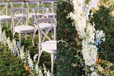 Crested-Butte-wedding-floral-aspen-arch-Flora-By-Nora-Lisa-O'Dwyer-photographer-ceremony-set-up