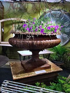 Finnegan Gallery urn at the Antiques & Design Show of Nantucket