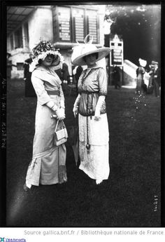 Women at Horse Races, 1910s
