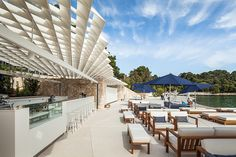 Completed in 2014 in Rovinj, Croatia. Images by Joao Morgado. Mulini Beach is located in an attractive area of Rovinj, on the exit from the central part of the city and in the continuation of the promenade, in. Architecture Details, Landscape Architecture, Landscape Design, Urban Landscape, Bar Lounge, Marmaris, Restaurant Bar, Restaurant Facade, Rustic Restaurant