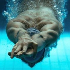 Image about swimmer in Sport by Adalie on We Heart It Swimming World, Swimming Diving, Keep Swimming, Triathlon, Swimming Pictures, Behind Blue Eyes, Competitive Swimming, Kayak, Swim Team