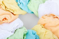 Nobody wants their baby to have a diaper rash. But once it's already there, what can you do? These are my top tips for how to best cure diaper rash. Wash Cloth Diapers, The Babys, Flying With A Baby, Cloth Diaper Covers, Diaper Rash, Disposable Diapers, Quites, Free Baby Stuff, Useful Tips