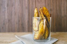 Craving french fries, but don't want the fat? Try these Oven Roasted Curried Potato Wedges for a savory snack instead! More on http://cravelocal.com. #snacks