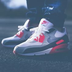 "@sneakyjeffn is rocking his @nikesportswear #AirMax 90 ""HOA"" Infrared . Can't beat a classic . Hashtag #sneakersaddict & #sadp for a shoutout. #SneakersAddicDailyPic #Nike #AM90 #HistoryOfAir #Infrared #sneaker #fresh #sneakerholics #L4L #sneakermates"