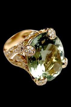 Green beryl, diamond and yellow gold ring