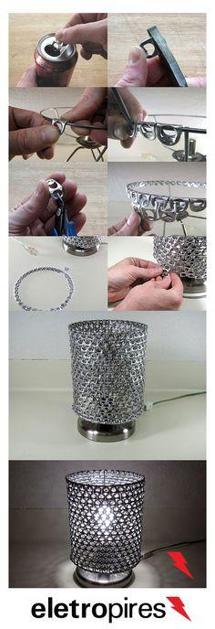 Aprenda como fazer uma luminária com anéis de latinha de refrigerante. Materiais…
