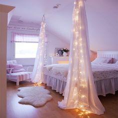 fairy string lights drapes canopy bedroom (CLICK for more fairy light decor ideas & pix!)