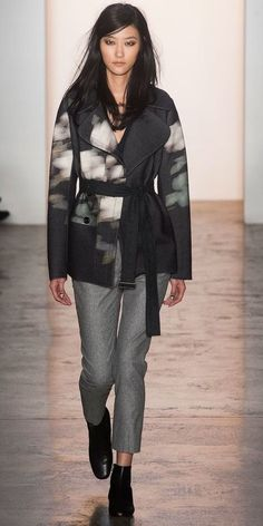 Peter Som's Fall 2014 runway today. blurred and undefined print with simple structure