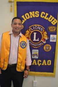 Willemstad  - Awe Curaçao Lions Club a hasi entrega di dos chek. E promé check a bai pa Brass on Fire. Sr. Frank Leitoe di Brass on Fire a risibí e chek for di man di e presidente di Curaçao Lions Club Sr. Dave Liqui Lung. Ku e check risibí aki, Brass on Fire por [...]