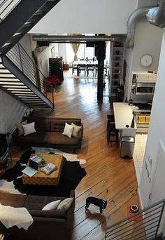 Converted Glass Factory in Logan Circle Warehouse Apartment, Warehouse Home, Loft Conversion Plans, Home Interior Design, Interior Decorating, Easy Wood Projects, House Doors, Building A House, Living Spaces