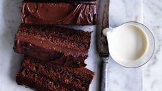 Neil Perry's almond and chocolate cake (with a dash of rum). Chocolate Almond Cake, Almond Cakes, Chocolate Cookies, Chocolate Desserts, Chocolate Delight, Sweet Cakes, Let Them Eat Cake, Tray Bakes, Cupcake Cakes