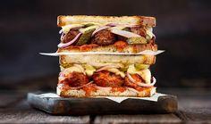 Street food στο κέντρο της Αθήνας: Οι πιο νόστιμες διευθύνσεις Athens Food, My Athens, Greek Recipes, Deli, Street Food, Hamburger, Breakfast, Ethnic Recipes, Don't Forget