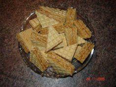 Weihnachtsplätzchen : Ungarische Waffelschnitten - Rezept Cream Cheese Flan, Condensed Milk Cake, Desserts With Biscuits, Christmas Baking, Cheddar Cheese, Apple Pie, Caramel, Sweets, Cookies