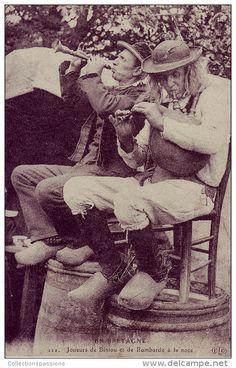 Breizh - Joueurs de Biniou et Bombarde à la noce - vers 1900