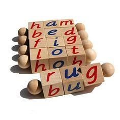 Montessori Phonetic Reading Blocks for the Beginning Reader | julesandco.net
