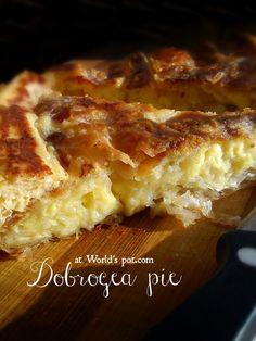 Delicious pie with salty cheese, eggs & yogurt. Placinta dobrogeana la tigaie