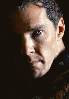 Benedict Cumberbatch as Richard lll Foto Face, Benedict And Martin, Benedict Cumberbatch Sherlock, Richard Iii, Fantasy Male, Broadchurch, Doctor Strange, Attractive Men, Sherlock Holmes