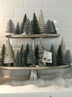 100 DIY Christmas Centerpieces for Tables and decoration ideas - Ethinify Grey Christmas Tree, Merry Little Christmas, Winter Christmas, Christmas Home, Christmas Bedroom, Christmas Table Decorations, Wedding Decorations, Farmhouse Christmas Decor, Christmas Inspiration