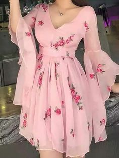Floral Print Flared Sleeve Pleated Chiffon Dress, Shop plus-sized prom dresses for curvy figures and plus-size party dresses. Ball gowns for prom in plus sizes and short plus-sized prom dresses for Mode Outfits, Dress Outfits, Fashion Dresses, Dress Up, Fashion Clothes, 1 Piece Dress, Knot Dress, Flare Dress, Dress Shoes