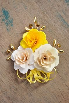 Yellow Ivory White Wooden Flowers Brooch Corsage Pin