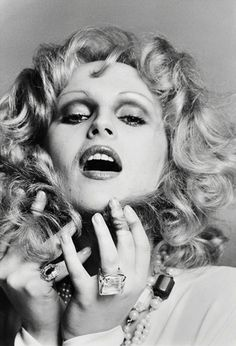 "Been to Max's - Candy Darling, born James Slattery, dubbed ""the most beautiful of the famous Warhol drag queens"" April Ashley, Holly Woodlawn, Candy Darling, Francesco Scavullo, Gender Bender, Androgyny, Rupaul, 70s Fashion, Vintage Fashion"