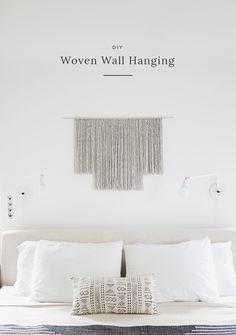 Minimalist Gray Yarn Hanging -Neutral hues and clean lines are very popular décor choices as of late, so this minimalist gray DIY yarn wall hanging is the perfect accessory for any modern home. Yarn Wall Art, Wall Hanging Crafts, Yarn Wall Hanging, Diy Wall Art, Wall Hangings, Wall Decor, Hanging Art, Inexpensive Home Decor, Diy Home Decor