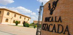 FINCA LA ESTACADA sitúa cuatro de sus vinos en el Top de la Guía Peñín. www.vinosdecuenca.es/noticia-vinos-cuenca/finca-la-estacada