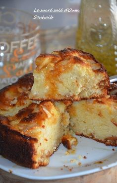 Gâteau au yaourt pommes et caramel beurre salé Apple Recipes, Sweet Recipes, Cooking Time, Cooking Recipes, Eat Dessert First, Sweet Cakes, Something Sweet, Fondant Cakes, Chocolate Desserts