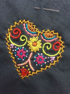 Getting to Know Brazilian Embroidery - Embroidery Patterns Brazilian Embroidery Stitches, Embroidery Stitches Tutorial, Hand Embroidery Patterns, Embroidery Techniques, Knitting Stitches, Machine Embroidery, Embroidery Needles, Embroidery Hearts, Felt Embroidery