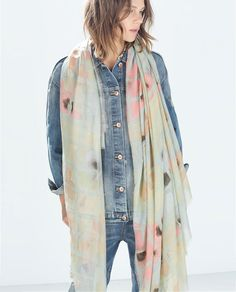 Image 2 of FLORAL PRINT SCARF from Zara