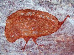 Pintura rupestre en Brazil. [Appears to be a pictograph of a rhea, a large flightless So. American bird. JE]