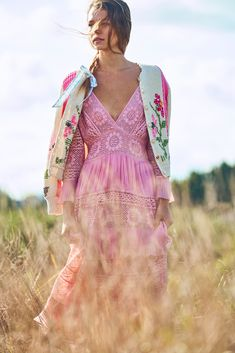 Pictures from LoveShackFancy Spring 2020 Fashion Collection Spring 2020 Fashion Collection. Designer ready-to-Wear collections, runway looks, models, beauty Fashion 2020, Fashion News, Boho Fashion, High Fashion, Fashion Show, Whimsical Fashion, Floral Fashion, Fashion Trends, Moda Boho