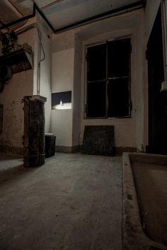 Tony Fiorentino  Candle, 2013 Video  10':00''  Edizione 1/3  Veduta dell'installazione di contemporary locus V, Bergamo  Courtesy l'artista e contemporary locus Foto Simone Montanari