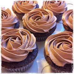 Greek Desserts, Pudding Desserts, Amazing Food Decoration, Cupcake Heaven, Nom Nom, Muffins, Cupcakes, Sweets, Chocolate
