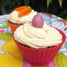 Narancskrémes sárgarépa muffin Fondant, Muffin, Food, Wood, Essen, Muffins, Meals, Gum Paste, Cupcakes