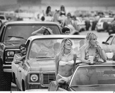It's spring break 1988, and Chris Vitale and Dina Boyle, both of San Antonio, check out the crowd on Mustang Island near Port Aransas in Texas. Photo: San Antonio Express-News