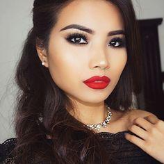 Smokey eyes ✖️ Red Lips  NEW VIDEO ON MY YOUTUBE CHANNEL   #tuantinpar #motd #anastasiabeverlyhills  #anastasiabrows #abhcosmetics #vegas_nay #wakeupandmakeup  #glamrezy #sephora #ardelllashes  #hudabeauty  #makeupforever #nyxcosmetics  #Loreal #sigmabeauty  #morphegirl #makeupartistworldwide  #melformakeup #bhcosmetics  #makeupgirlz #universodamaquiagem_oficial