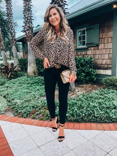-the best fall trends of 2018 at budget prices- leopard print top fall Cheetah Print Outfits, Leopard Print Top, Trendy Outfits, Cute Outfits, Fashion Outfits, Fashion Ideas, Fall Winter Outfits, Autumn Winter Fashion, Everyday Outfits