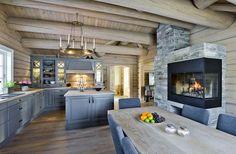 Tundra – 190 kvm - Drømmehytta AS Kitchen Inspirations, Sweet Home, Cottage Kitchen, Cottage Inspiration, Cabin Decor, Log Homes, Beautiful House Plans, Dining Room Accessories, Log Home Interior
