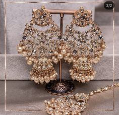 Pakistani Bridal Jewelry, Indian Bridal Jewelry Sets, Bridal Bangles, Wedding Jewelry Sets, Bridal Earrings, Antique Jewellery Designs, Fancy Jewellery, Jewelry Design Earrings, Jewelry Accessories