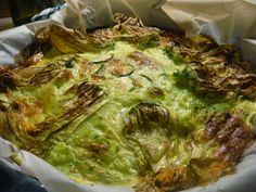 Simo's Cooking: Uova  una frittata very light che voleva assomigliare a una torta salata ed e' diventata un girasole!  Zucchine, fiori, yogurt greco & stracchino